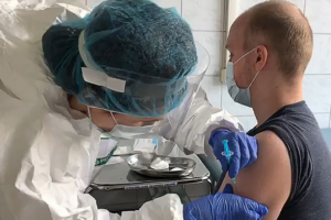 Russia Aims to Begin Mass Vaccinations Against Covid-19 in October